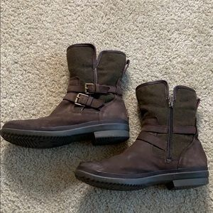 Ugg Wilde Boots Womens SZ 10! Authentic $195 MSRP!